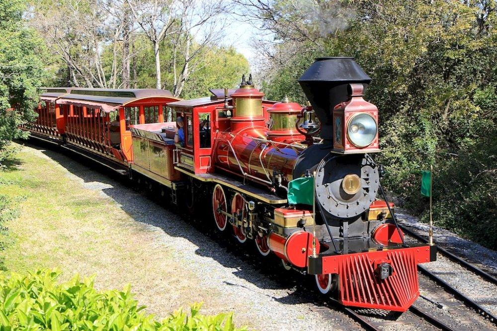 Walt-Disney-World-Railroad_Full_12663.jpg