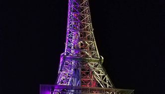 Dosen't seeing the tower lit up on your way out of the park not just complete your #kibestday ? @kingsislandpr